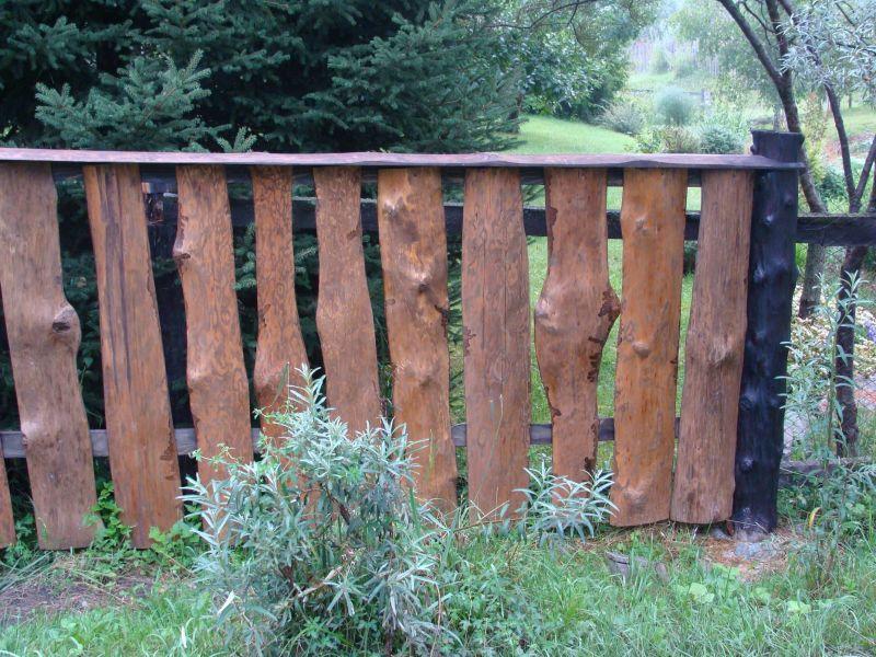 Забор с горбыля своими руками фото